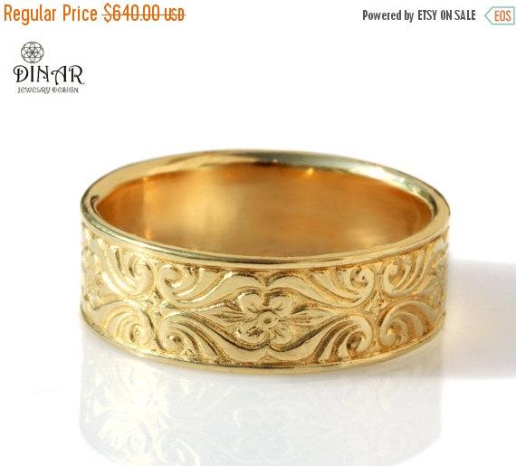 زفاف - 14k gold wedding band, Vintage Design , 7mm wide ring , Engraved Floral pattern, women's wedding band, thick ring , men's gold wedding band