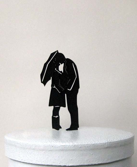 Свадьба - Wedding Cake Topper - Under An Umbrella