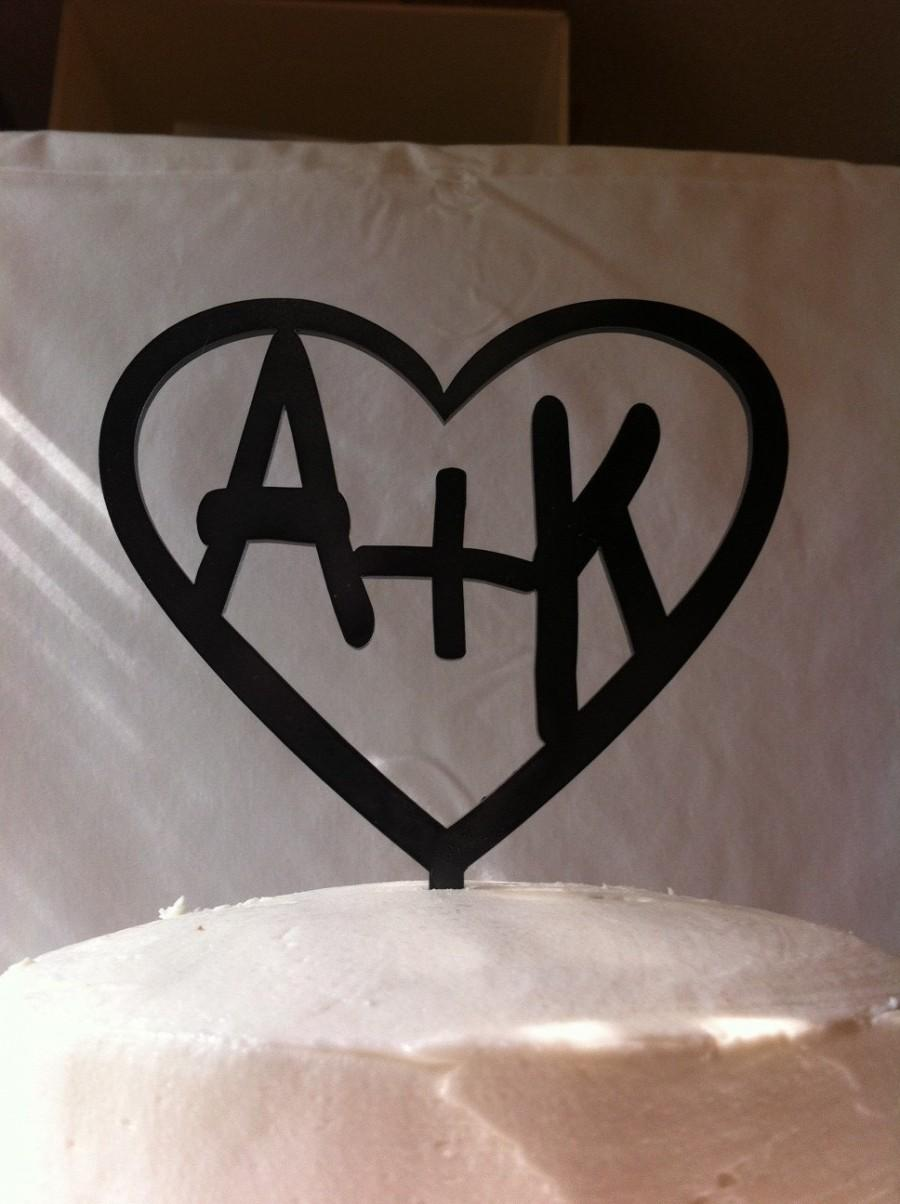Свадьба - Carved Initials In A Heart Custom Personalized Wedding Cake Topper