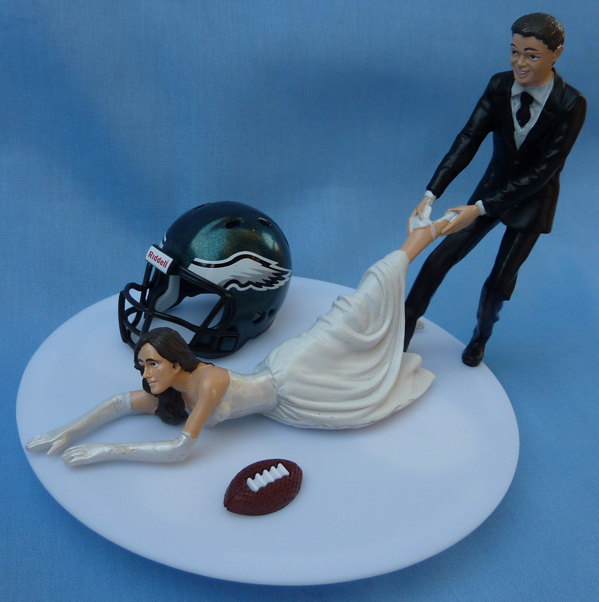 Mariage - Wedding Cake Topper Philadelphia Eagles G Football Themed w/ Garter Philly Sports Fans Bride and Groom Unique Humorous Sporty Fun Top