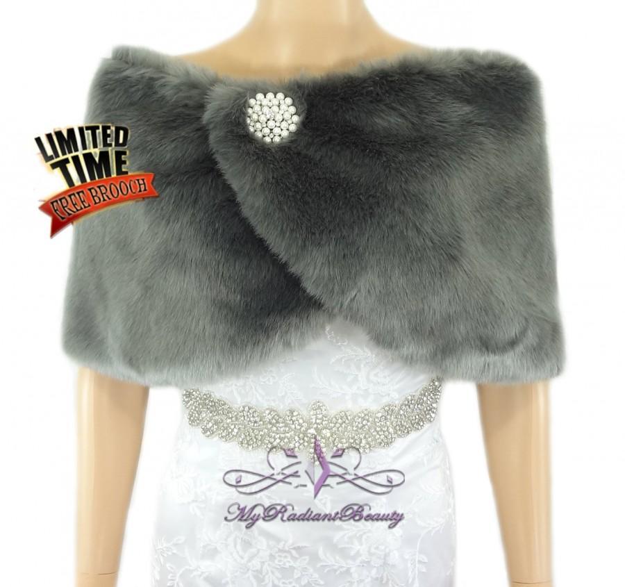 زفاف - Gray Faux Fur Wrap, Faux Fur Cape, Fur Stole, Fuax Fur Shawl, Wedding Stole, Wedding fur Shrug, Bridal Fur Wrap, Bridal Stole FW108-GRAY