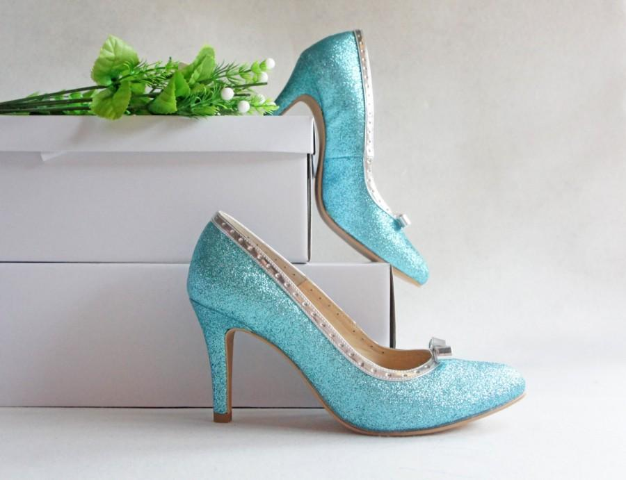 Свадьба - Aqua blue glitter wedding shoe with silver bow, turquoise gleam bride bridal heel, sparkle bridesmaid shoe, Something blue for bride