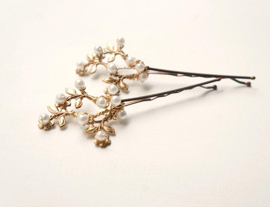 Mariage - Gold floral bridal hair clips, Pearl hair pins, Hair flowers, Gold with pearls floral bobby pins, Bridal vintage hair clips, Gold wedding
