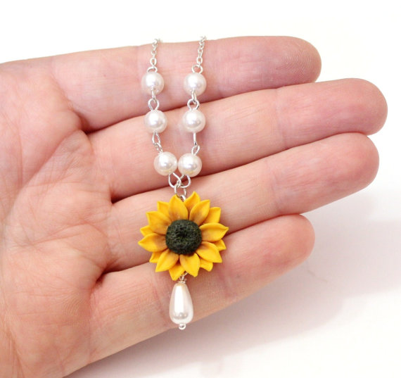 Hochzeit - Sunflower Necklace - Sunflower Jewelry - Gifts - Yellow Sunflower Bridesmaid, Flower and Pearls Necklace, Bridal Flowers,Bridesmaid Necklace