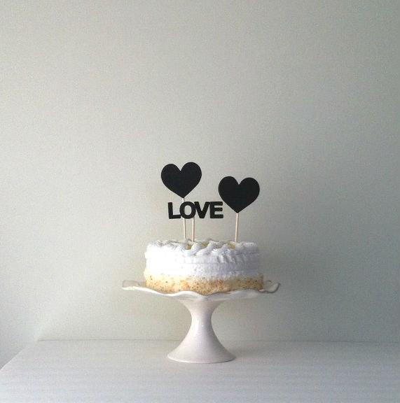 Hochzeit - Chalkboard Hearts Wedding cake topper, wedding cake topper, love cake topper, by Kiwi Tini