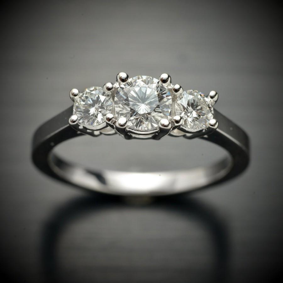 زفاف - Round diamond three stone ring in 14 karat white gold