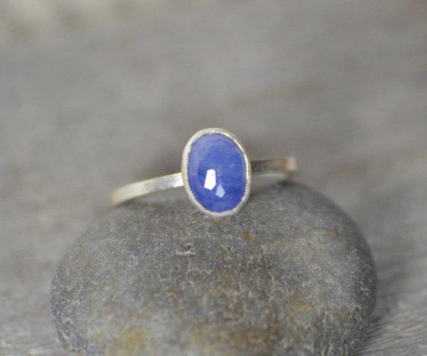 زفاف - Royal blue sapphire ring, Honeycomb Rose Cut sapphire ring, sapphire engagement ring, 1.85ct stackable sapphire wedding gift