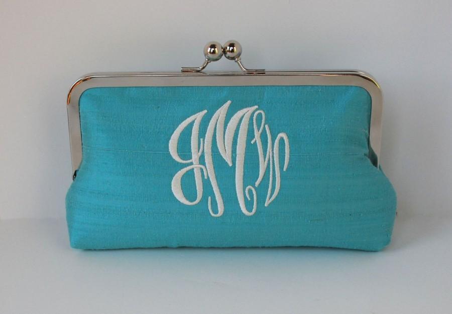 Hochzeit - Personalized wedding clutch, bridesmaid clutch, monogrammed clutch , personalized bridesmaid gifts,wedding accessories, bridesmaid purse