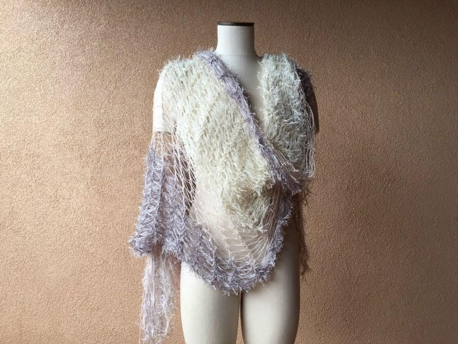 Mariage - Art Deco Wedding Wrap 1920s Bridal Off White Wedding Shawl with Silver, Pearl Ivory, Blush Pink Wedding Accents Wedding Accessories Cape