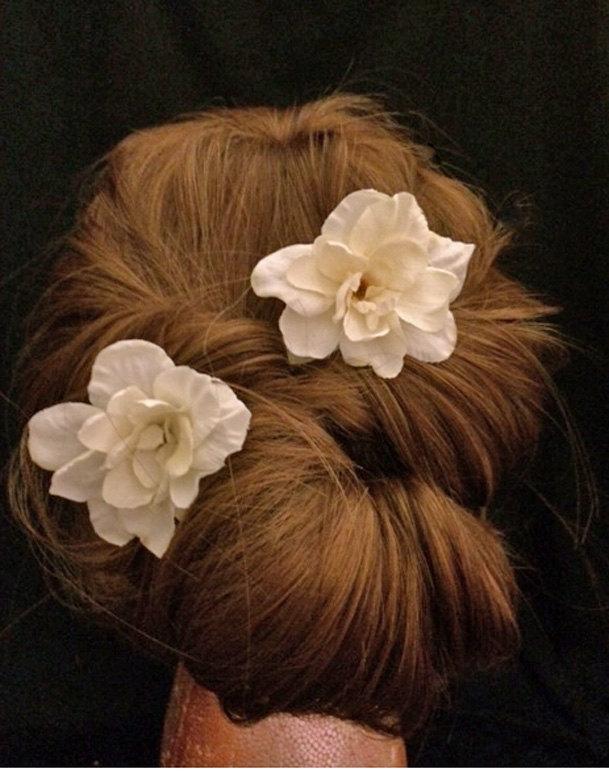 زفاف - Pretty Pair of Gardenia Bridal Hair Pins , Ivory Floral Hair Decorations, Bridal Accessories, Wedding Headpieces,