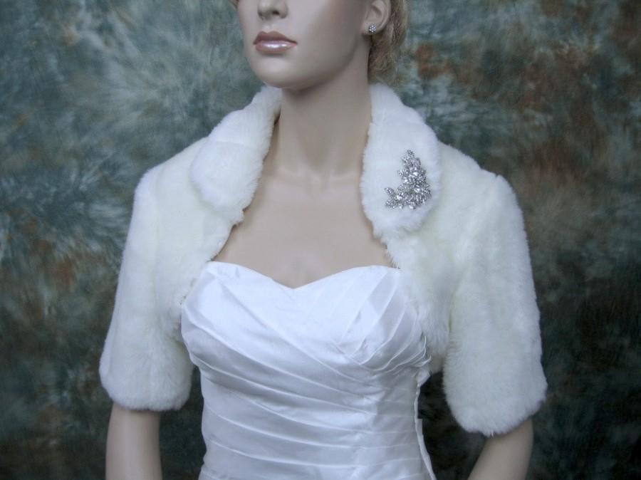 Свадьба - Sale - Off-white faux fur bolero jacket shrug Wrap FB004-OffWhite - was 89.99