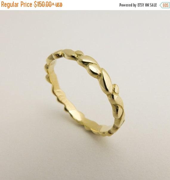 زفاف - ON SALE 14 karat solid gold ring, Thin wedding band, Gold dots wedding ring, Women's wedding ring, Gold drops wedding ring, Stacking wedding