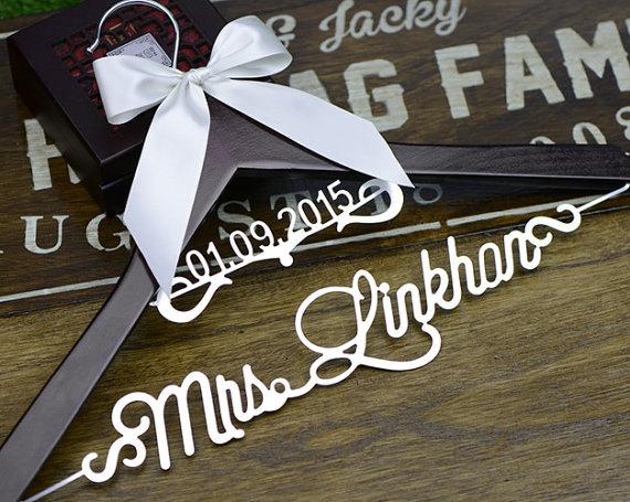 زفاف - Personalized Wedding Hanger with date, Deluxe Custom Bridal Hanger, Bride Name Hanger, Bridesmaid Hanger, wedding gift L012