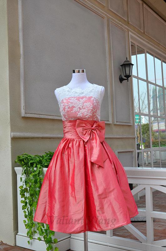 زفاف - Ivory Lace Watermelon Red Taffeta Scoop Neckline Bridesmaid Dress With Bow Zipper Back Knee Length Prom Dress