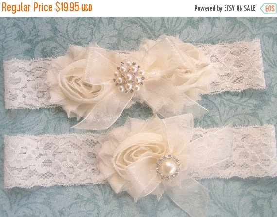Mariage - SALE Wedding Garter Set- Vintage Bridal Garter-  Toss Garter included  Ivory with Rhinestones and Pearls  Custom Wedding colors
