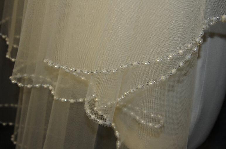 زفاف - 2T bridal veil, hand-string pearl veil, elbow veil, white ivory veil, pearl + comb bridal veil, wedding headpiece