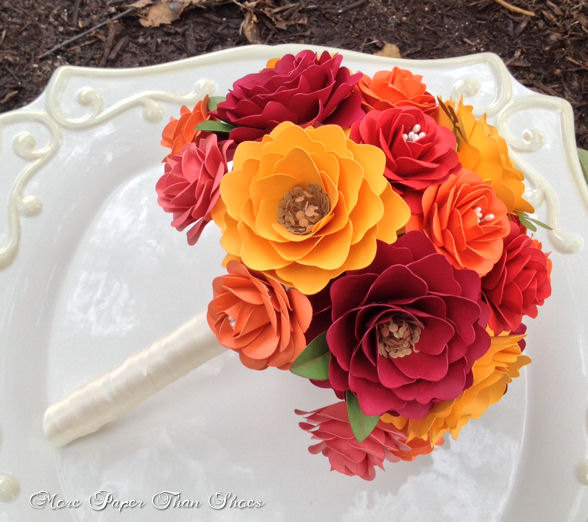 Mariage - Paper Bouquet - Paper Flower Bouquet - Wedding Bouquet - Bridal Bouquet - Fall - Customize Your Colors - Made To Order