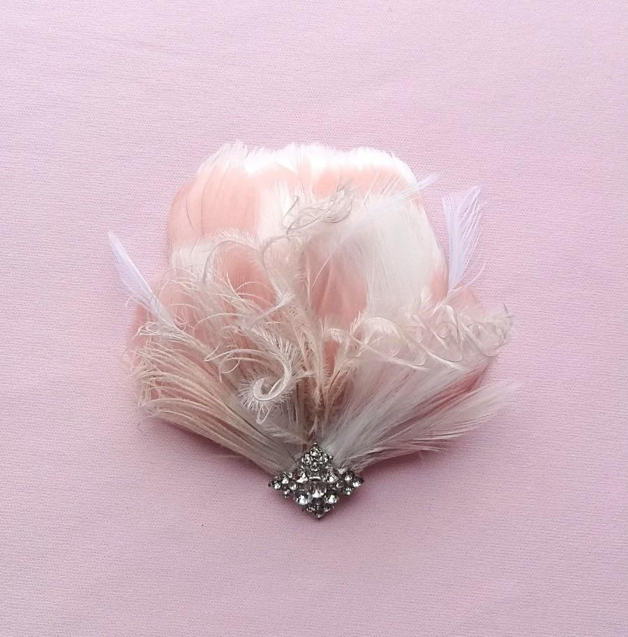 Mariage - Bridal feather headpiece, wedding hair accessories, blush pink & white feathers,  bridal feather fascinator, mini bridal hair clip Style 216