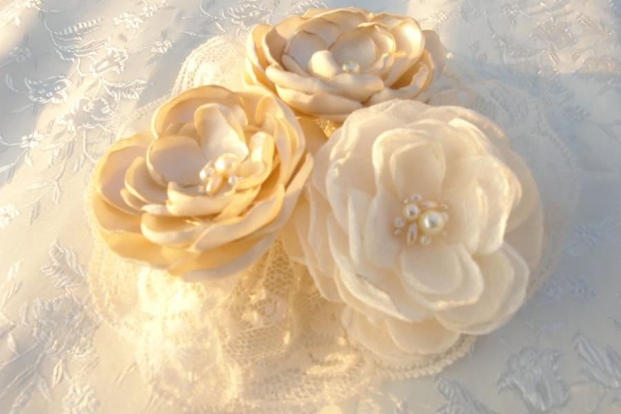 Wedding - Ivory Champagne Bridal Flower Brooch OR Hair Clip Bridal Flower Hair Clip with Pearls Crystals Champagne Hair Accessory