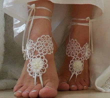 Boda - Beach wedding barefoot sandals FREE SHIP embroidered sandals, ivory Barefoot , french lace sandals, wedding anklet,
