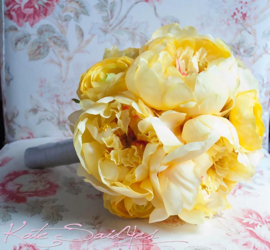 Hochzeit - Wedding Bouquet Yellow Peony Wedding Bouquet - Yellow Peony and Ranunculus Bridal Bouquet
