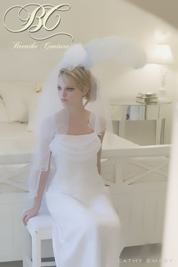 Mariage - One of a Kind Bridal Veil with Ostrich Feather - Couture Bridal Veil