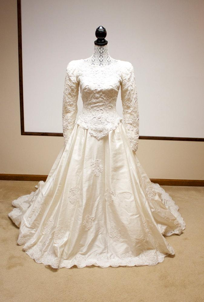 Vintage Beaded Lace Bridal Gown Silk Dupioni Wedding Dress Long Sleeve