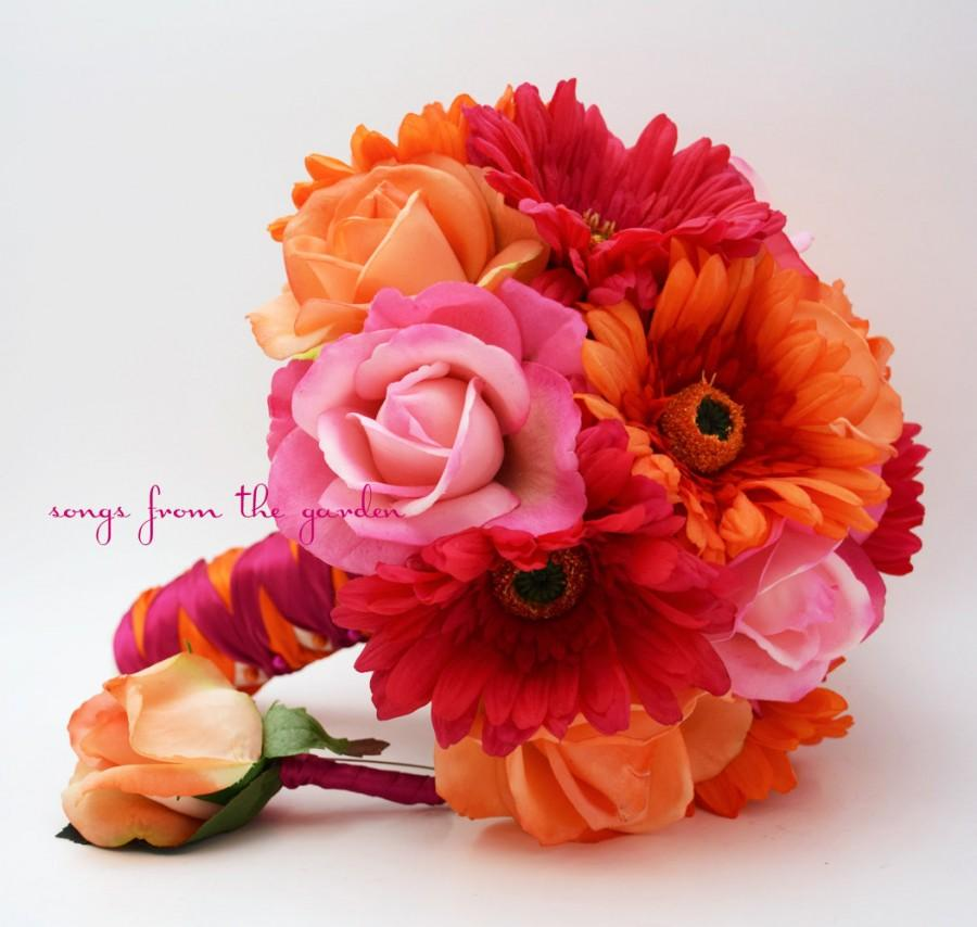 Mariage - Bridal Bouquet Real Touch Gerbera Daisies, Real Touch Roses in Hot Pink and Orange with Groom's Boutonniere - Customize for Your Colors