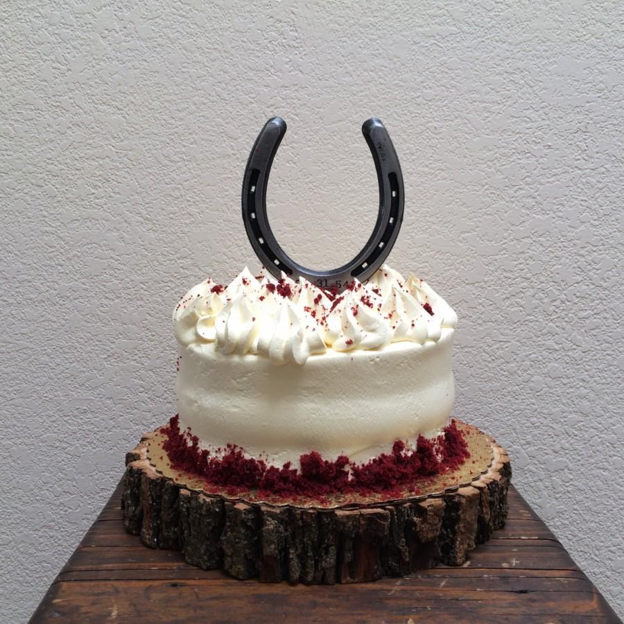 Свадьба - Wedding cake topper, real horseshoe, 3 sizes, barn wedding, engraving available, under 25