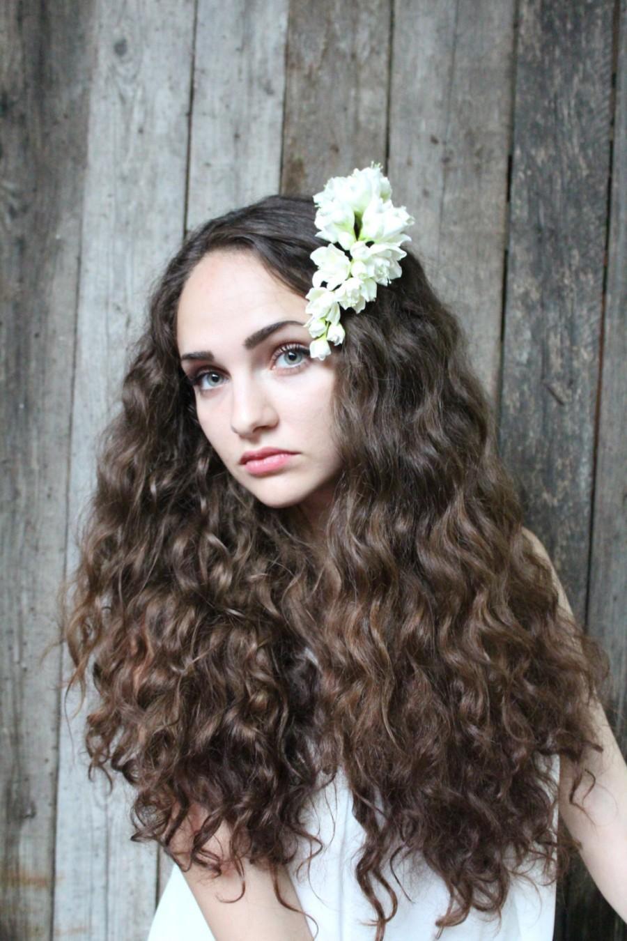 Hochzeit - Аzalea hair flower. Wedding jewelry for brides.  Аzalea hair flower. White azalea on hair comb.  Hair comb polymer clay flowers.