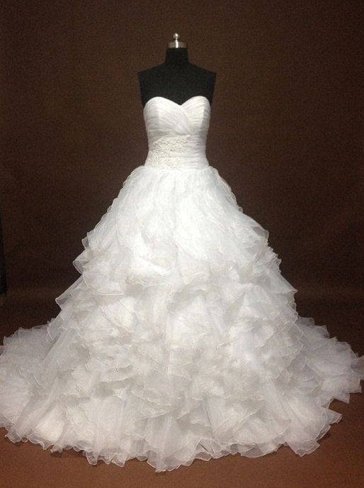 Hochzeit - Sweetheart Ruffled  Ball Gown Wedding Dress