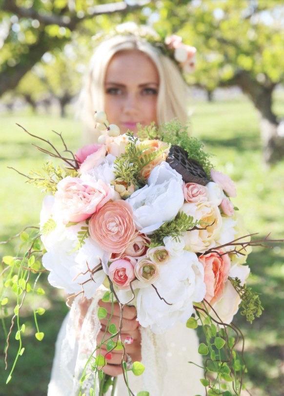 Mariage - Boho wedding - boho bouquet - bohemian beidal bouquet - faux bouquet - peonies - ranunculous - woodland wedding - moss - pods - locust pod
