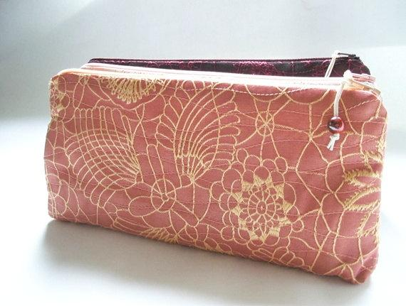 Mariage - Coral Pink Clutches, Set of 6 Wedding Clutches, Bridesmaids Gift Bags, Bachelorette Party Gifts