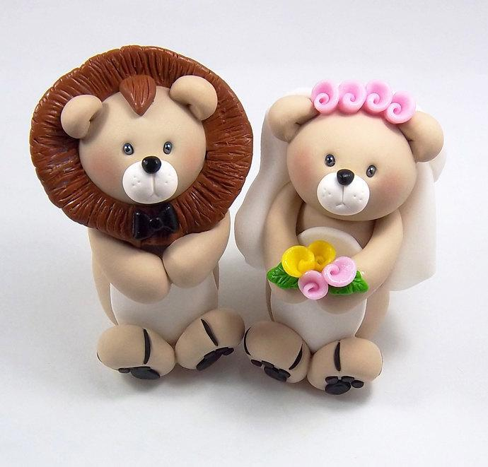 Свадьба - Wedding Cake Topper, Lion Figurine, Personalized Cake Topper