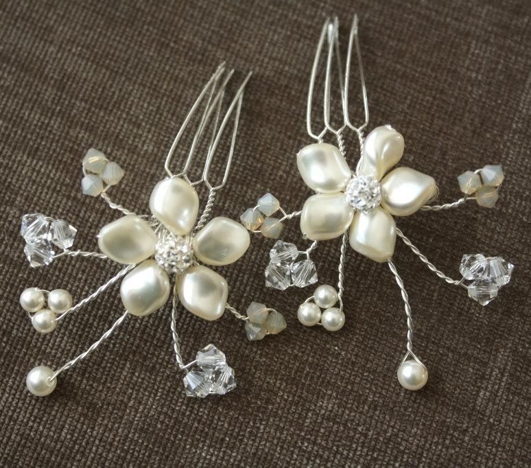 Hochzeit - Bridal Hair Combs, Pearl Petite Combs, Wedding Pearl Hair Pins
