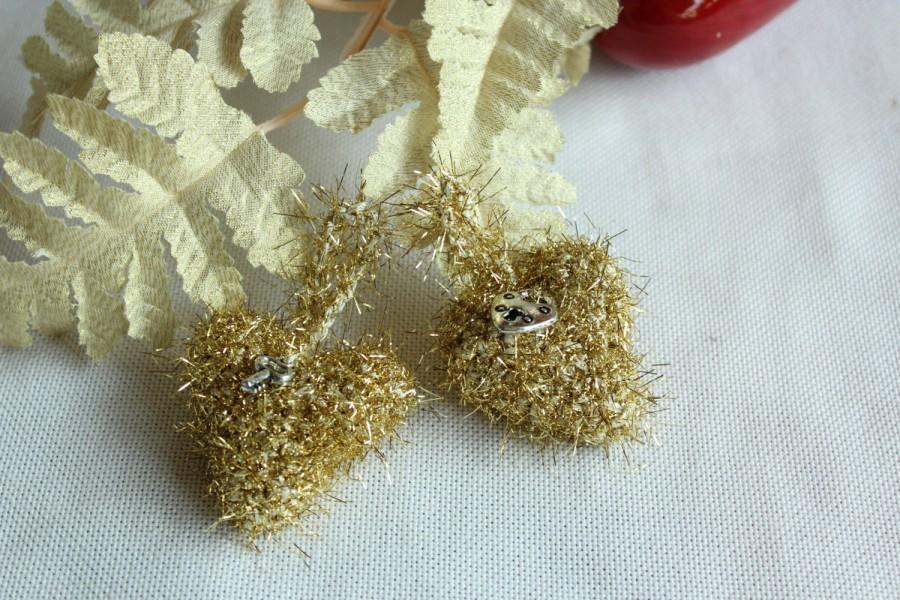 Mariage - Crochet Golden Miniature Hearts, Crochet Wedding Guests Gift, Heart Shaped Wedding Decor, Crochet Heart Home Decor, Golden Hearts Ornament
