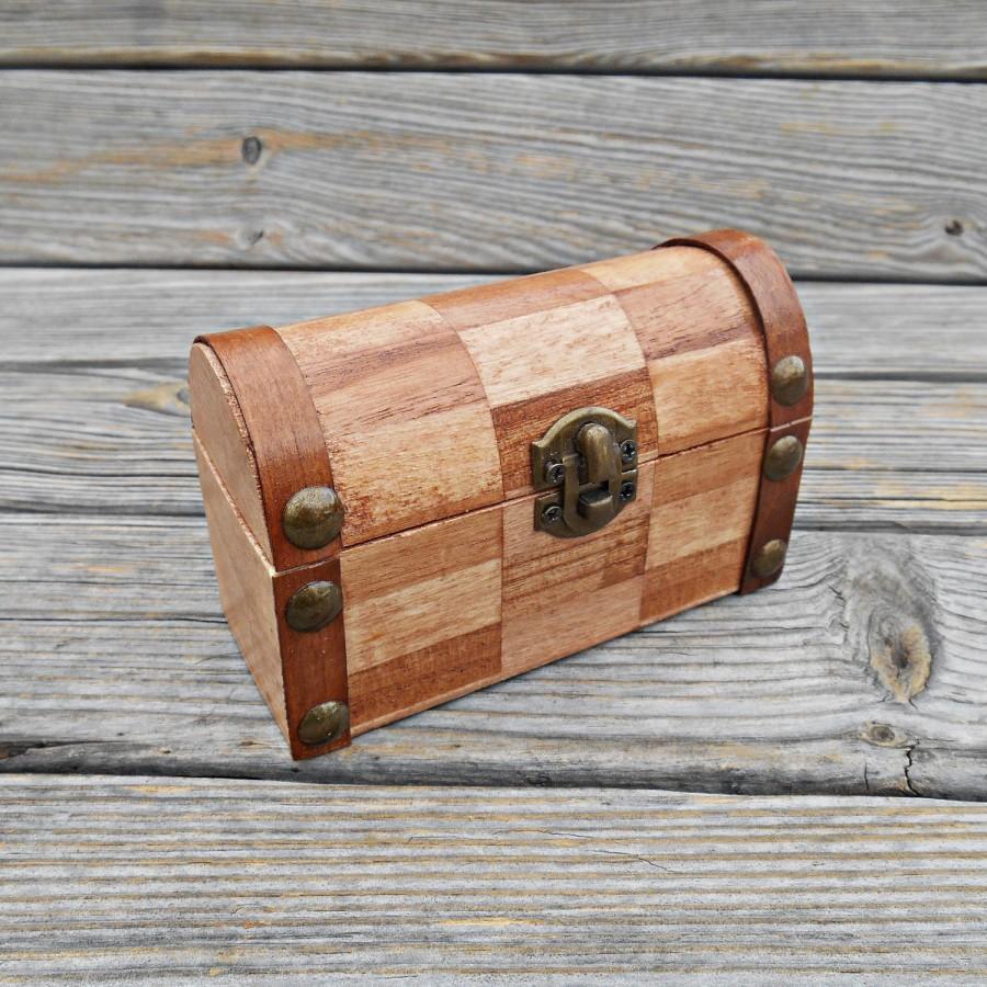 Mariage - FREE SHIPPING, Wedding ring bearer box / pillow, Wooden ring bearer box, Pillow alternative, Wedding keepsake box, Card box, Jewelry box