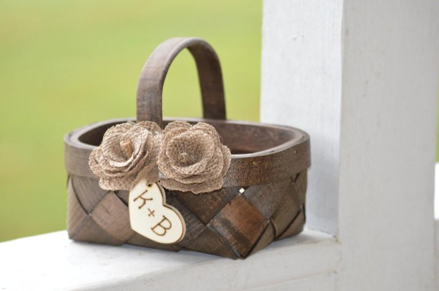 Mariage - rustic flower girl basket, burlap flower girl basket, country wedding, rustic wedding decor