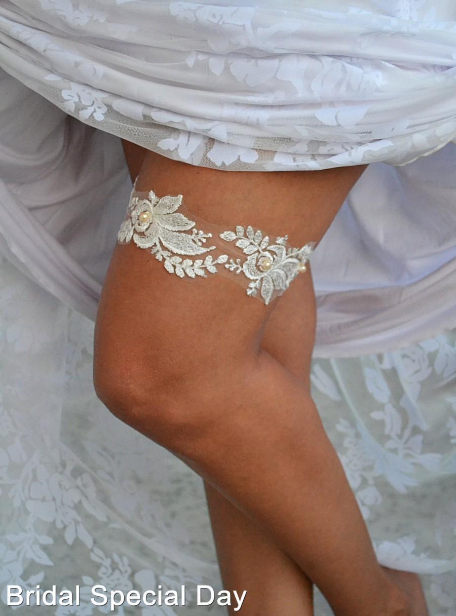Wedding - Ivory Lace Wedding Garter Bridal Garter With Pearles - Handmade