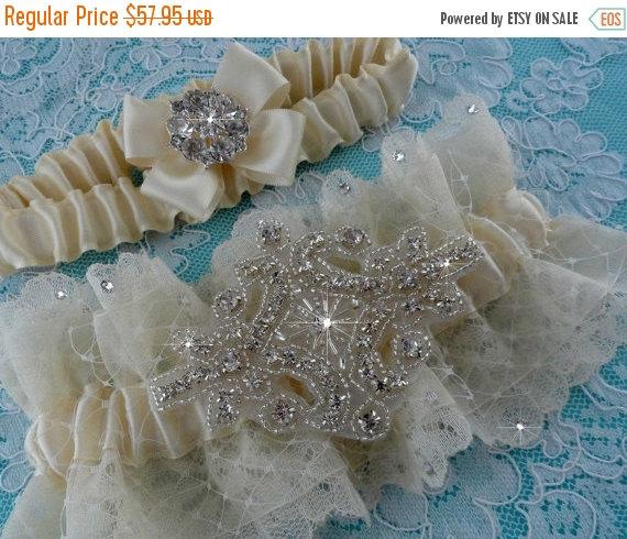 Mariage - SALE - Garters Bridal Garter Set Wedding Garter Set Crystal Rhinestone Keepsake Toss Garter