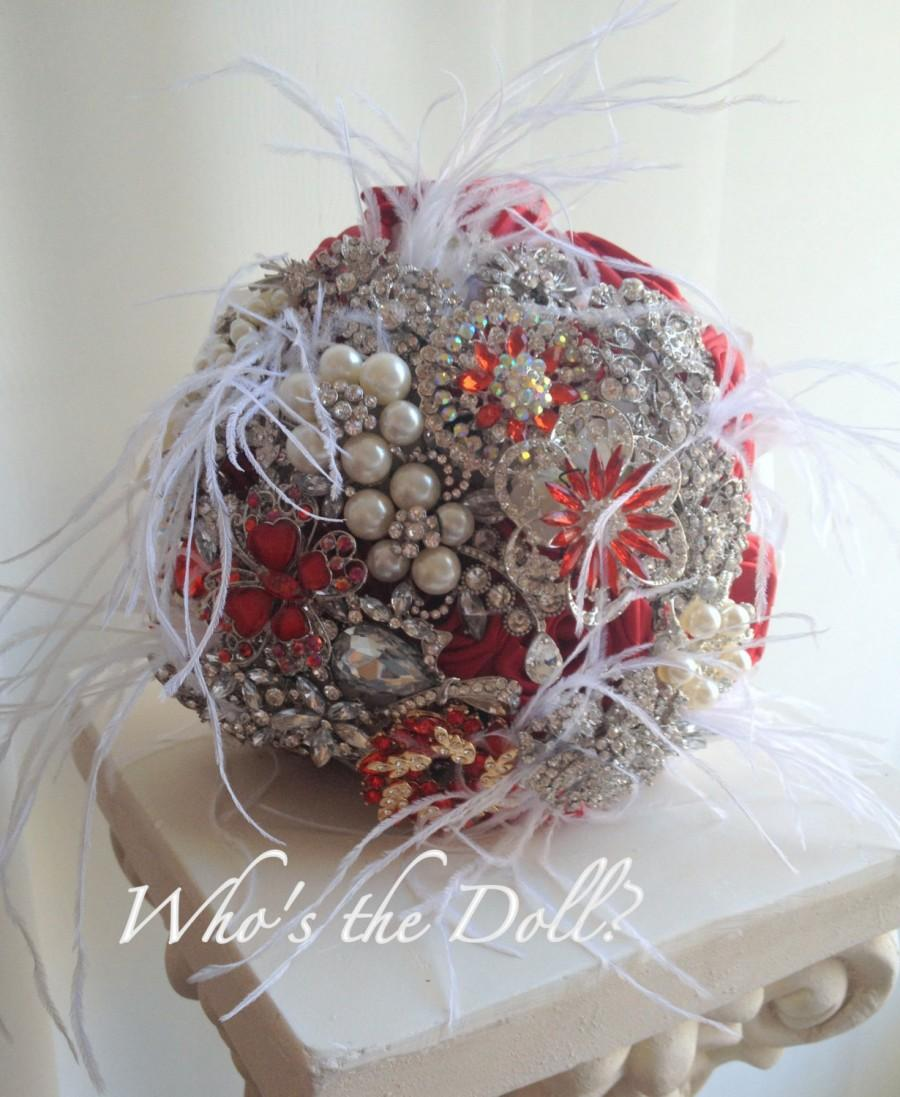 Mariage - Brooch bouquet/Mrs Scarlet/1920s style bouquet wedding bouquet/bridal bouquet/Red bouquet/Vintage style bouquet/Maid to order/Deposit