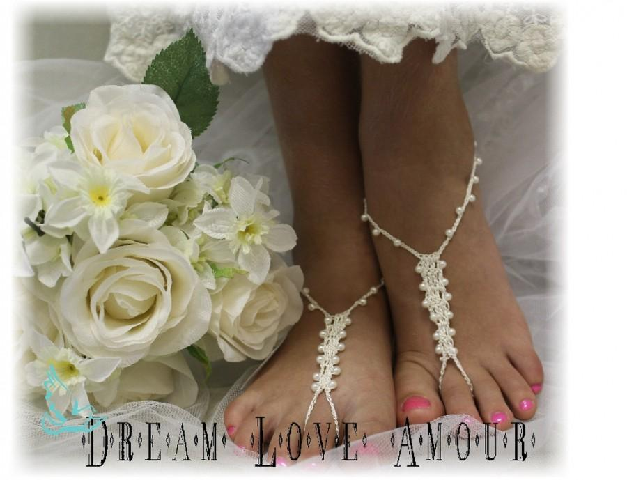 Wedding - Barefoot sandals, pearl, beaded, crochet, beach, wedding, Petite Pearl cream