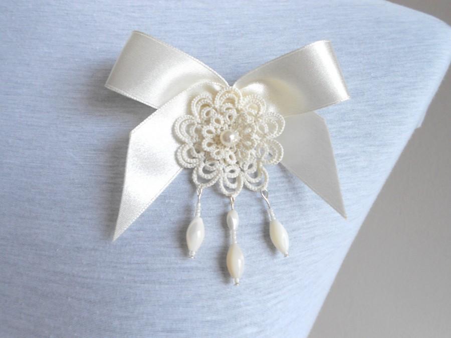 زفاف - Ivory tatted lace pendant brooch - floral - tatting - handmade lace
