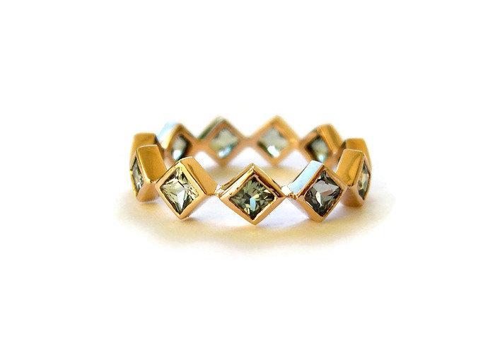 زفاف - Eternity Rose Gold Ring with Green Sapphire, Unique Engagement Ring, Squares Red Gold Ring, Green Sapphire Jewelry, for her