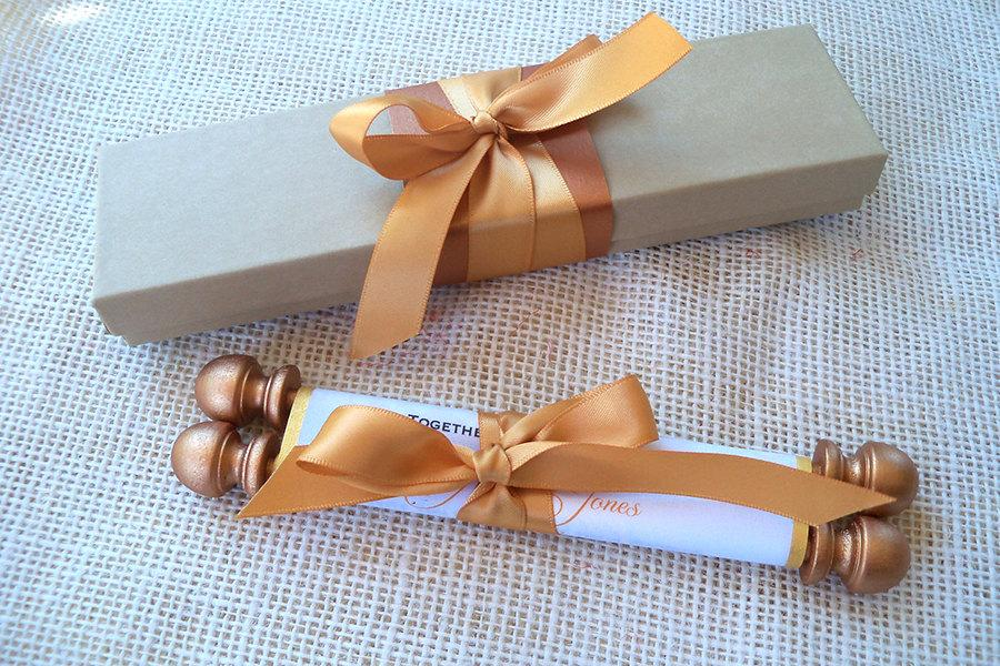 Mariage - Elegant wedding invitation suite, fabric scroll with presentation box, wedding calligraphy, in gold, copper and kraft {25}