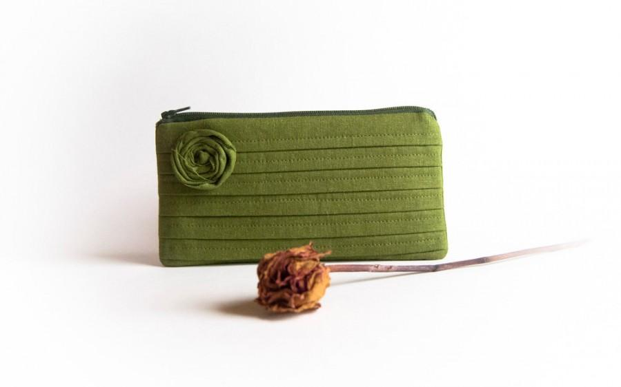 Mariage - Green Bridal Wedding clutch purse, Green Avoccado handmade linen bridesmaid gift clutch purse