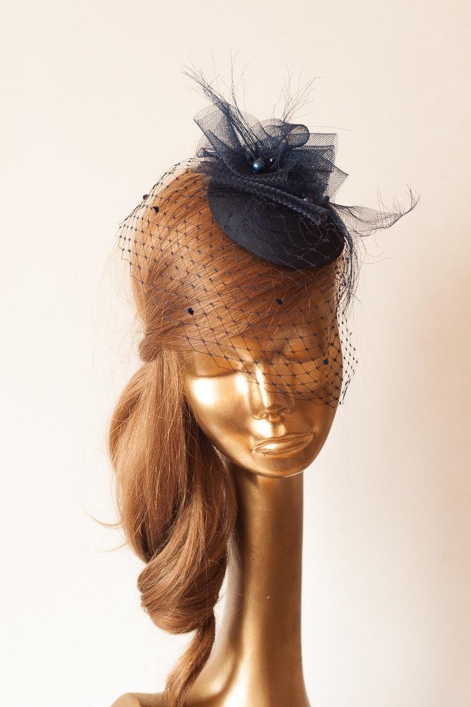 Mariage - Navy Blue FASCINATOR with BIRDCAGE VEIL  Wedding Mini Hat with Veil