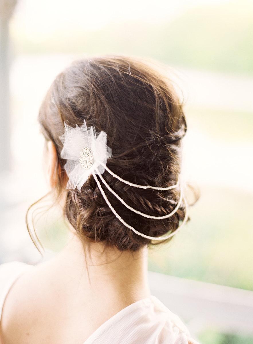 زفاف - Avril Draped 20's era Head Piece made with tulle, silver, pearls and crystals