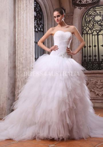 Mariage - Buy Australia Delicated Beaded Work Side White Organza & Tulle Puff Skirt Ball Gown Wedding Dresses Gowns 7883 at AU$314.18 - Dress4Australia.com.au