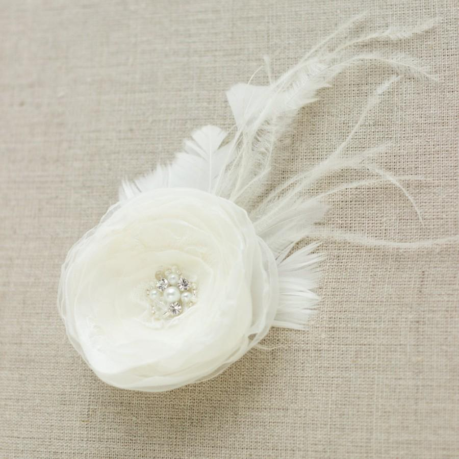 Hochzeit - Flower hair clip Wedding hair flower Bridal hair piece feather fascinator Bridal Hair accessories wedding Hair flowers Bridal head piece